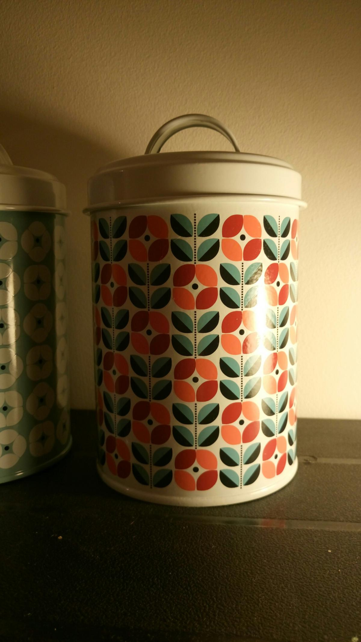 new tins, ideal for teas, biscuits or storage containers collect from se15