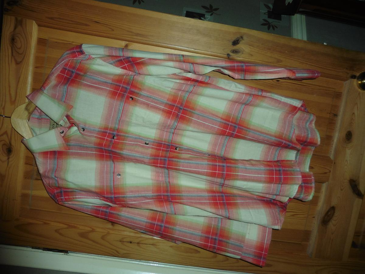 Mens long sleeved check Shirt Large by Dockland. Condition is Used.