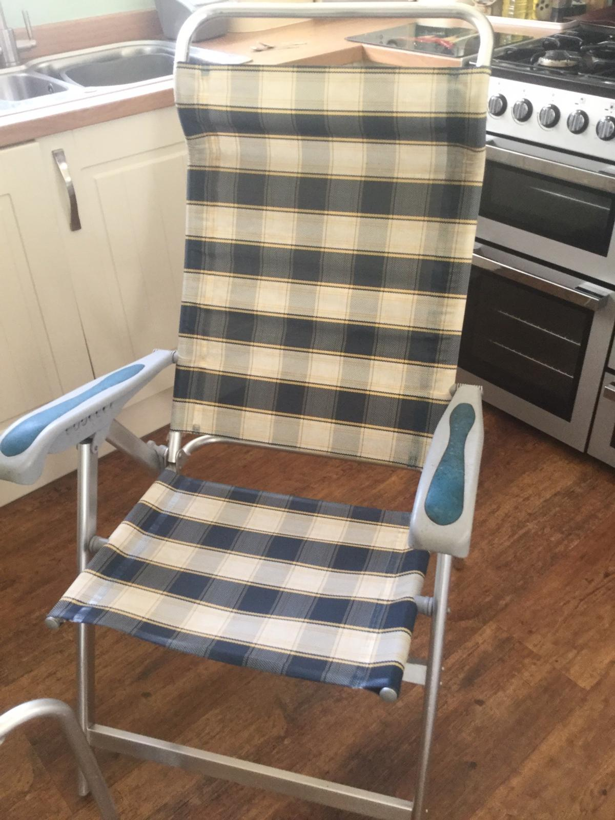 2 garden loungers & footrests Plus removable towelling covers