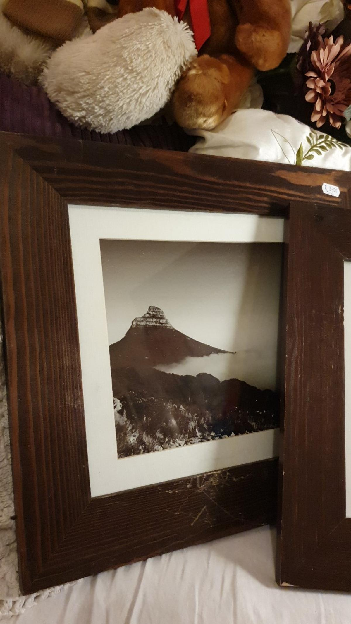 Frames need a repaint hence price 18x14 inches