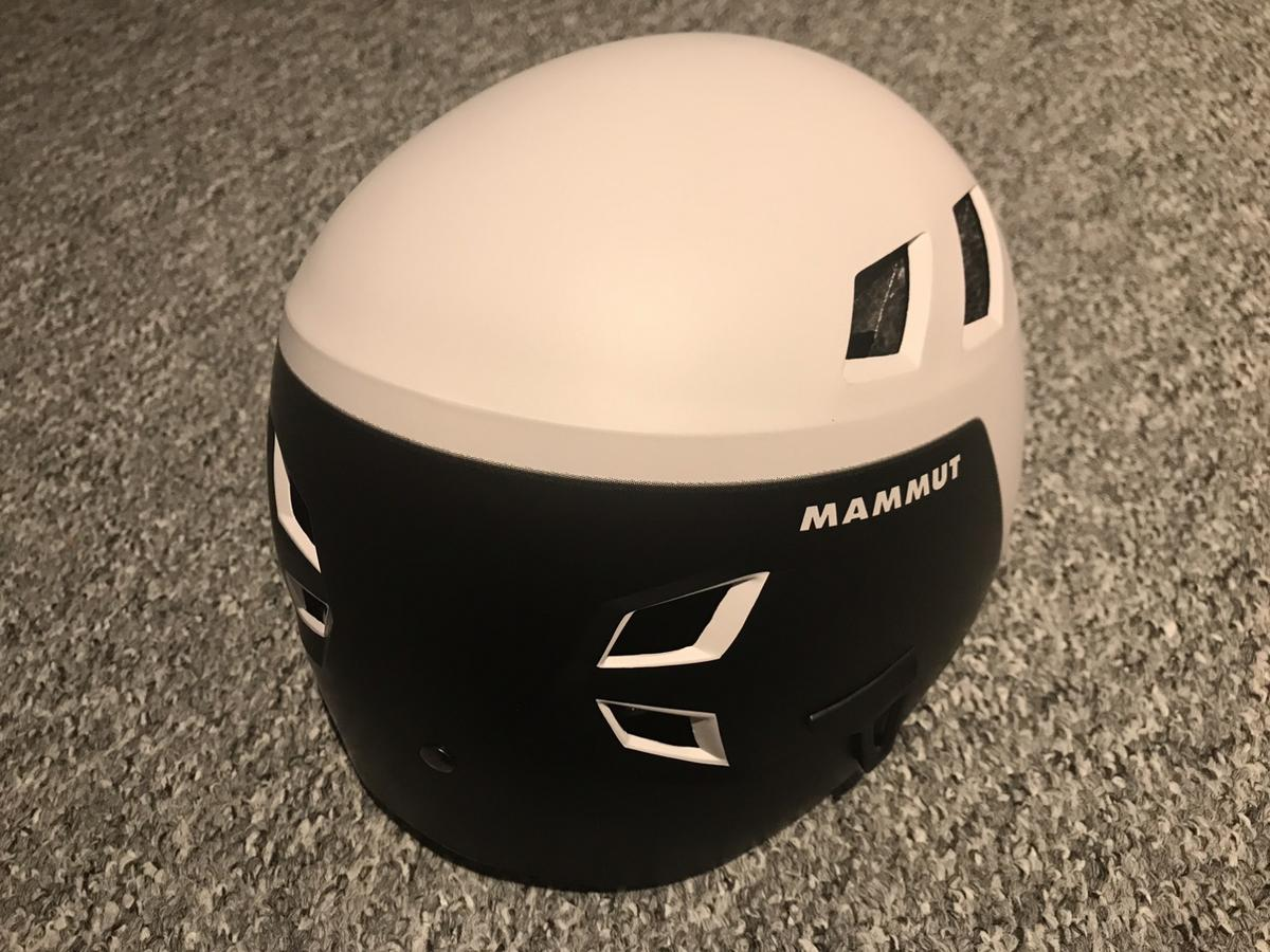 Brand New Mammut El Cap climbing helmet. White & Black, new colour. Size 56-61 (2) Only removed from the box for photos. Complete with helmet protection bag.