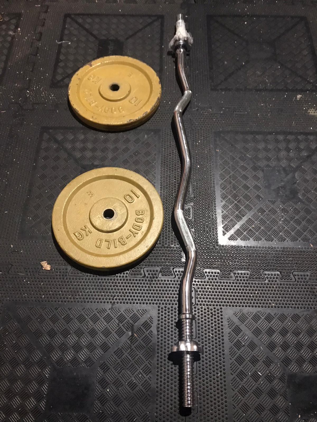 Solid chrome ez bar 2 x 10kg plates  No offers please Bar is brand new