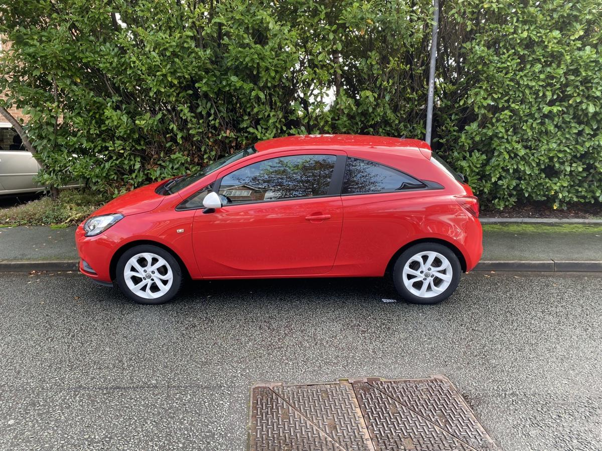 1.2 petrol manual corsa sting 2015  Good condition all round full service history 49k miles mot till July 2020 runs and drives like a brand new car as expected, dint on the drivers door nothing Major the price reflects this, tyres and brakes are like new so is the interior cannot fault the car atall, all relevant Vauxhall booklets etc, Full Vauxhall service history, everything works as it should  City mode Cruise control Digital dash Aux USB Xenon lights Running lights Bluetooth A/c Electric