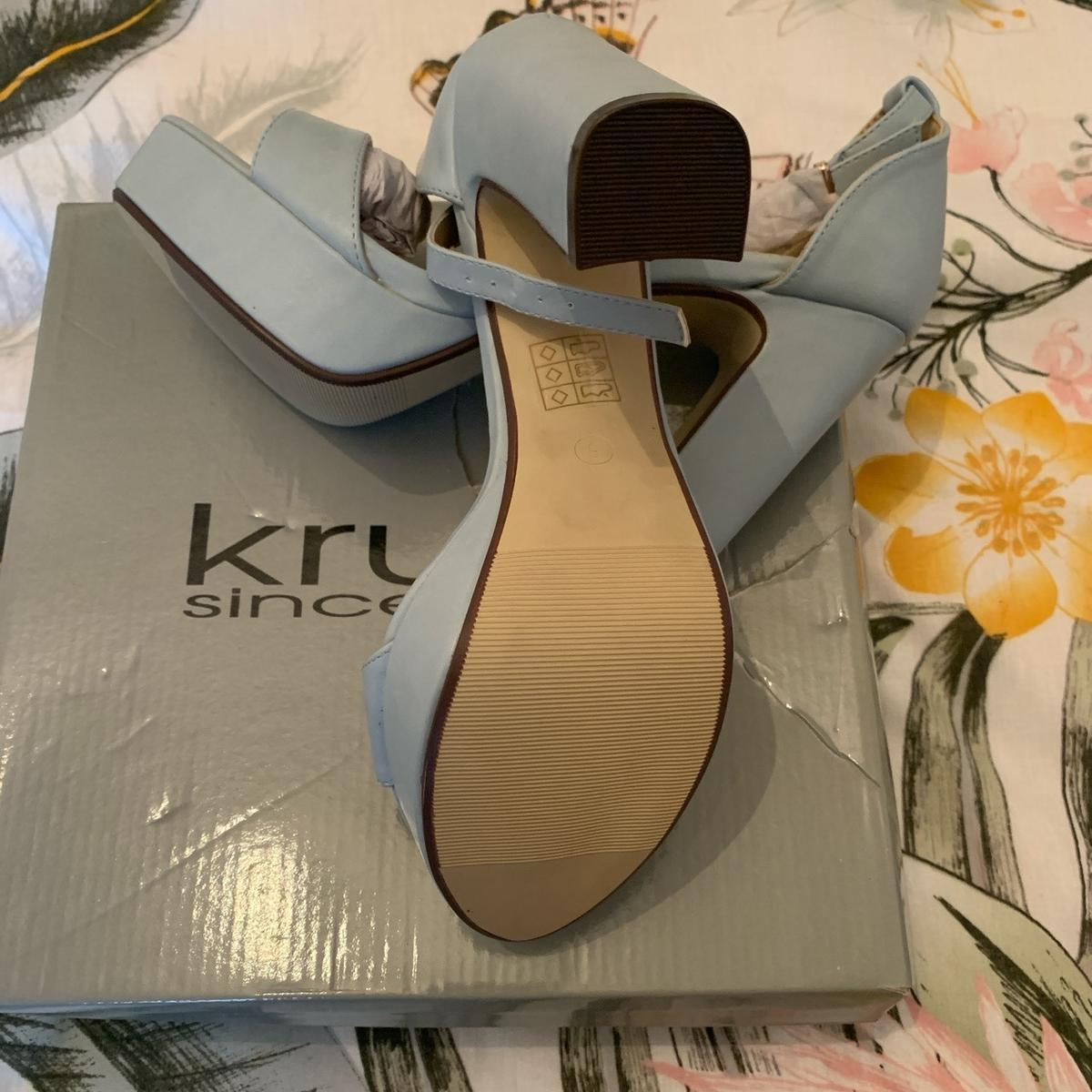 Absolutely gorgeous powder blue heels in size 5, brand new with box. Absolutely comfortable and stylish.