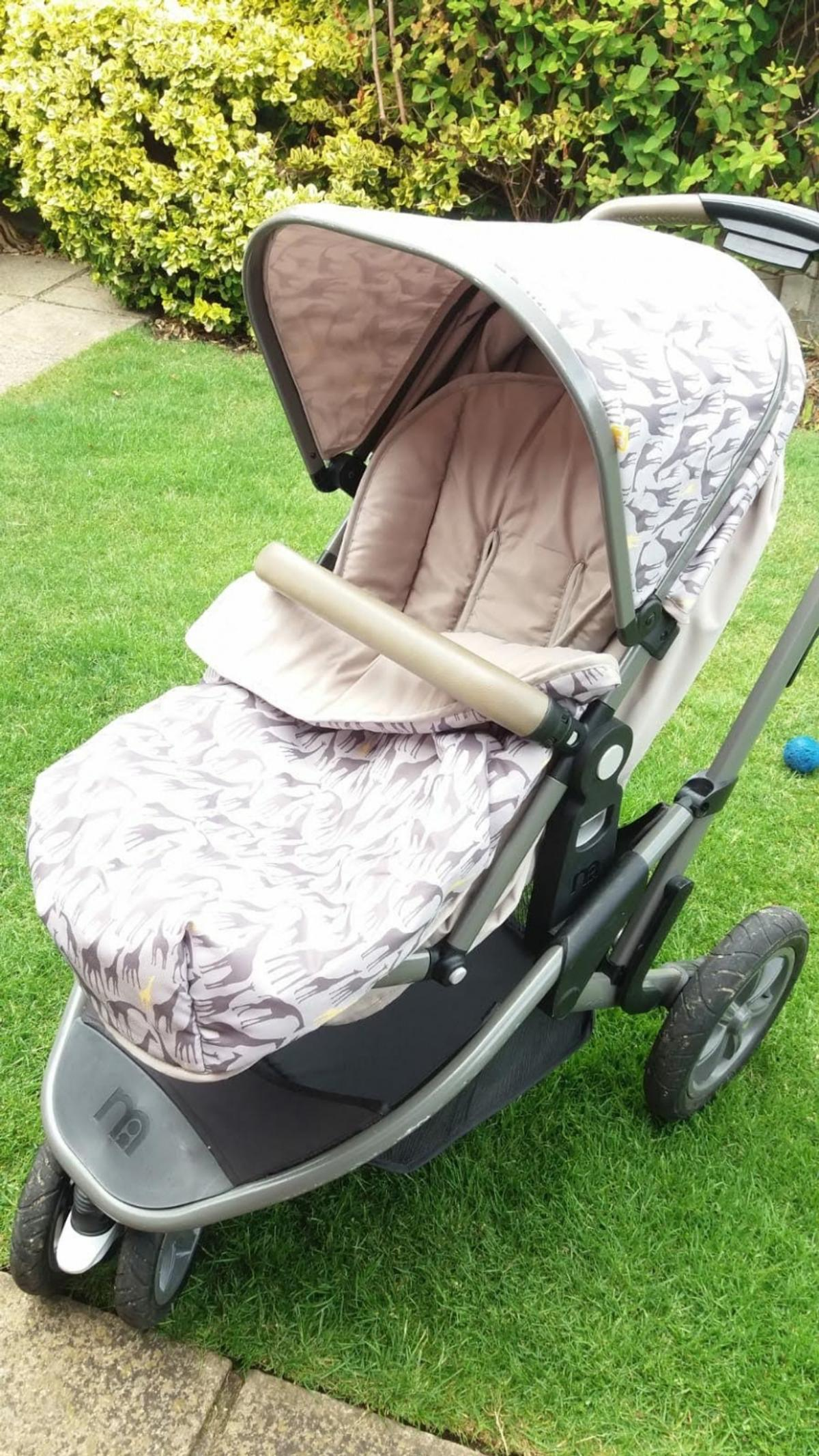 Travel system Versatile and easy to use In good condition