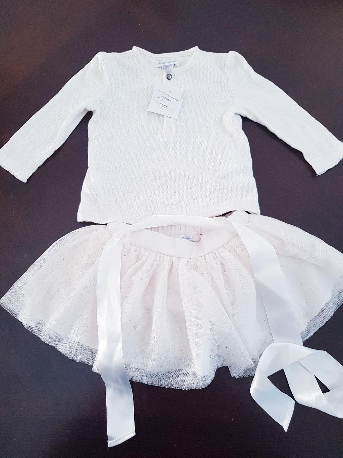 Brand New and no longer required. age 6 months. perfect for a party/photo shoot! still has the tags and is genuine. can purchase separately if needed.