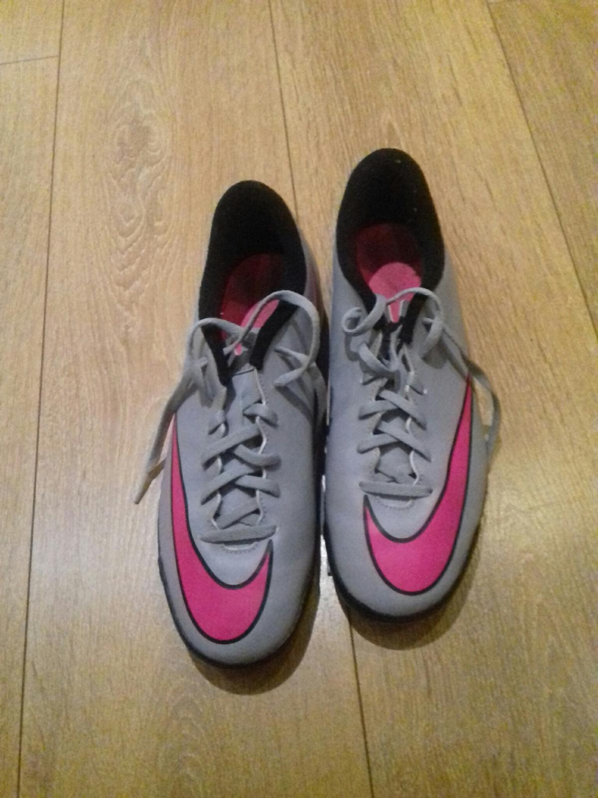 nike astroturf boots, adult size 8.5, used once for about 30 minutes no box