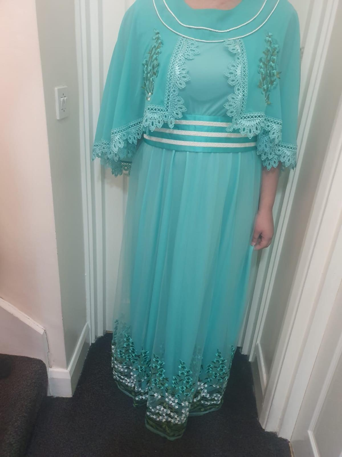 Arab dress New Never been worn (only worn to take picture) Originally bought for £100 from Dubai