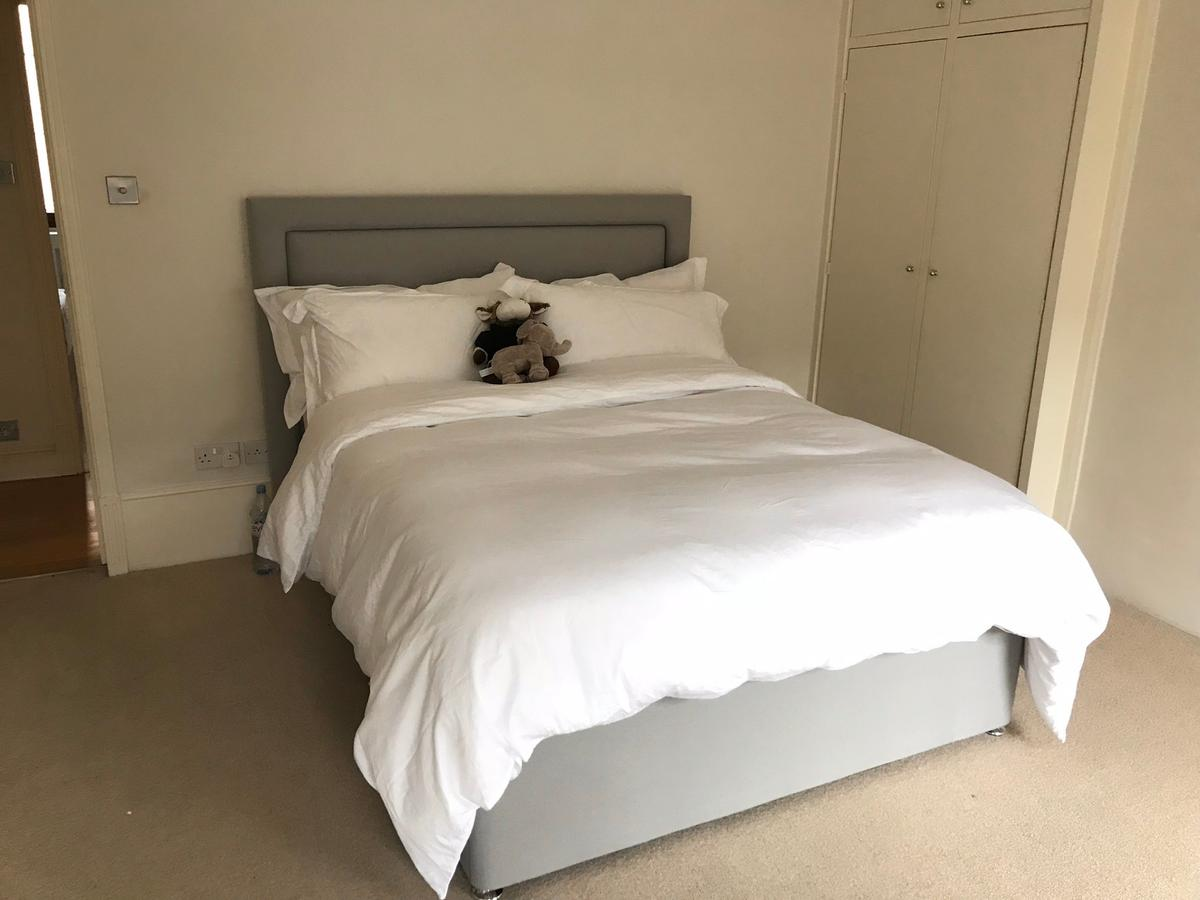 Picture of: King Size Bed Frame Headboard Mattress In W11 London For 435 00 For Sale Shpock