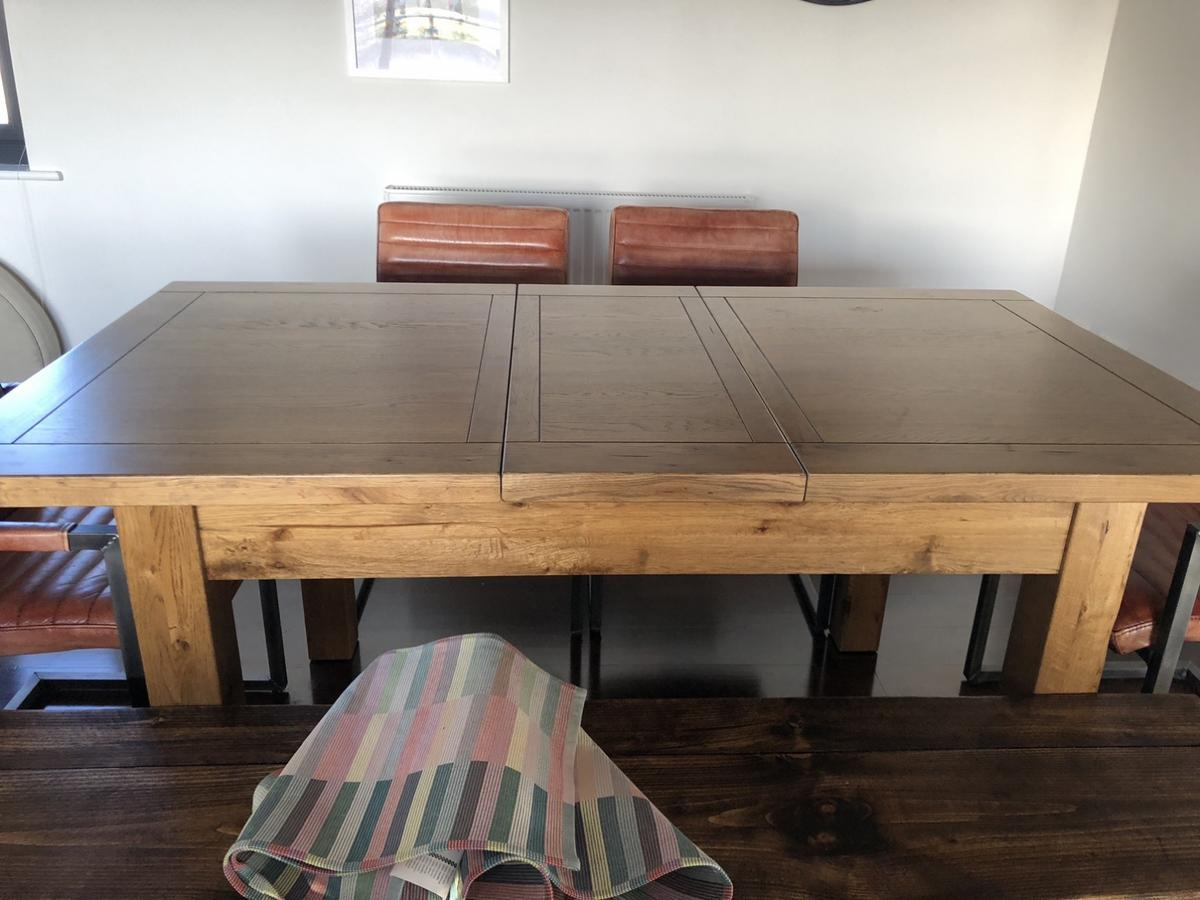 Solid Rustic Oak Dining Table In Ng10