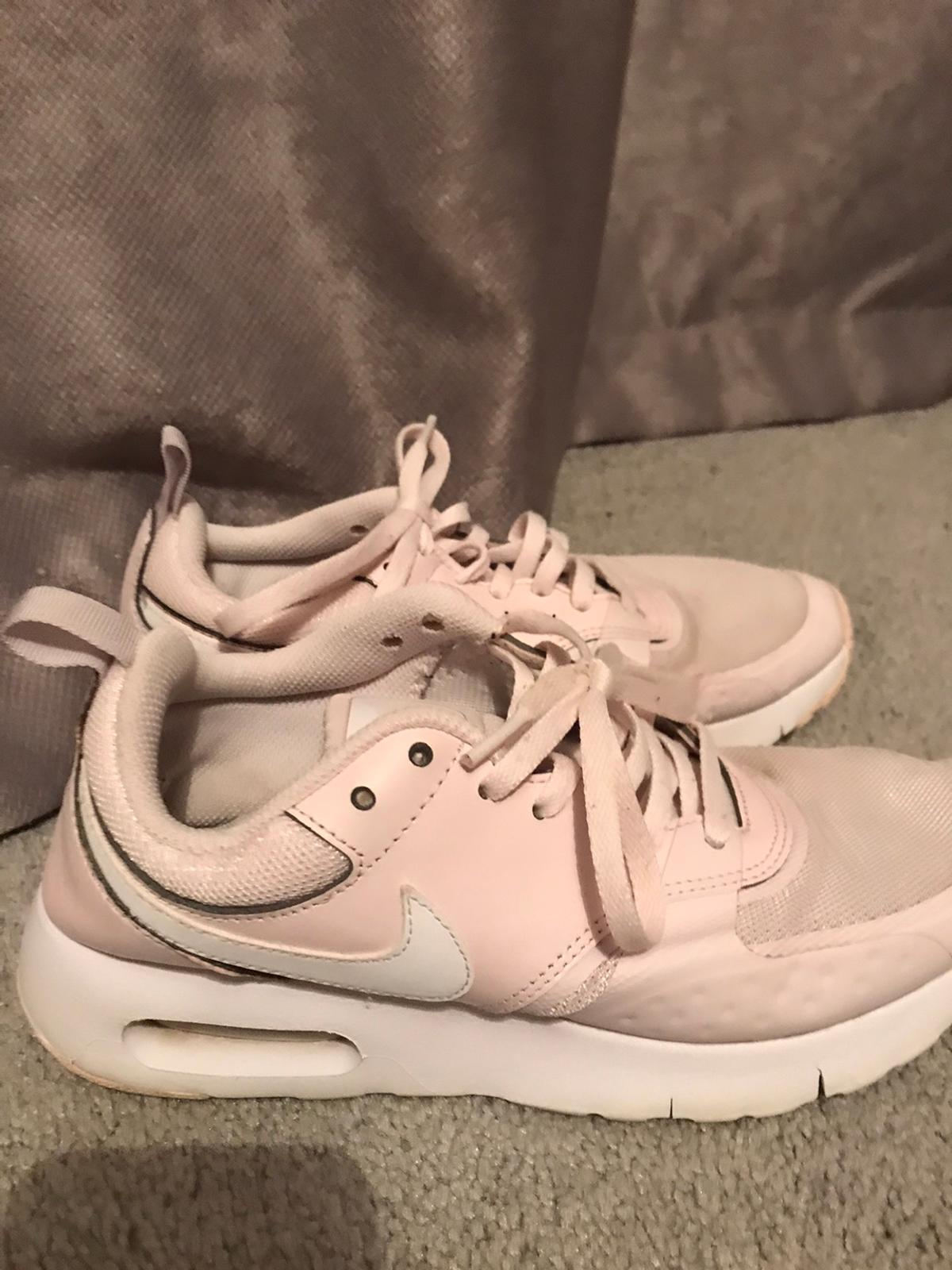Pink nike trainers size 5.5 Due to the current situation , these items will not be for sale