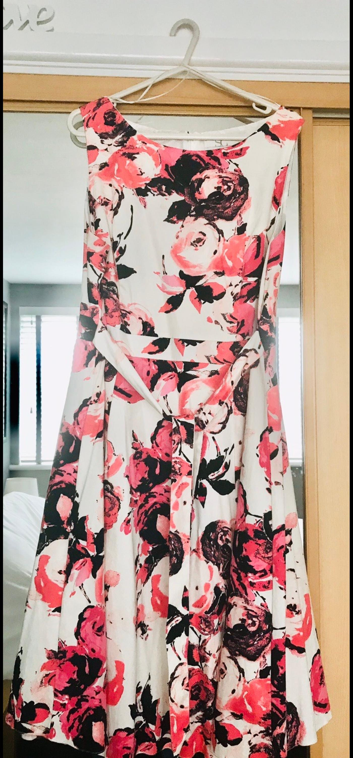Worn once excellent condition include pink matching bolero.
