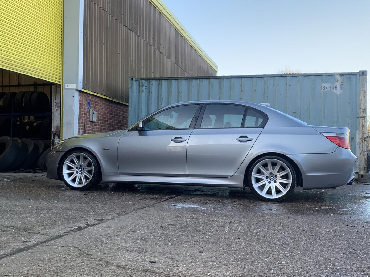 Only testing the water, if nothing catches my eye I'll happily keep it.  THIS ISN'T YOUR USUAL ABUSED 535D THAT YOU CAN PICK UP FOR £4K OR LESS SO DO YOUR RESEARCH. Possibly one of the cleanest 5 series you will see! HPI Clear ✅ Hard to find a 535D in this colour ( Silbergrau Metallic) 2005 535D 3.0 Twin Turbo diesel. This is the best BMW Diesel engine in my opinion, delivering smooth power constantly and instant power when needed due to being a twin turbo. Covered 160k with Full service history