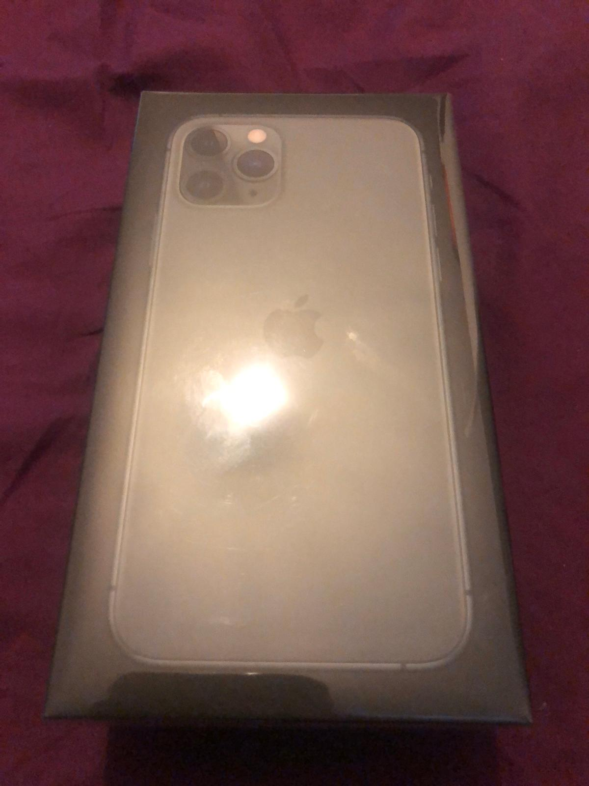 Brand new iPhone 11 Pro 512 GB Sealed Unlocked RRP£1400 Haven't been opened Collection and same day delivery can be arranged if within a certain distance