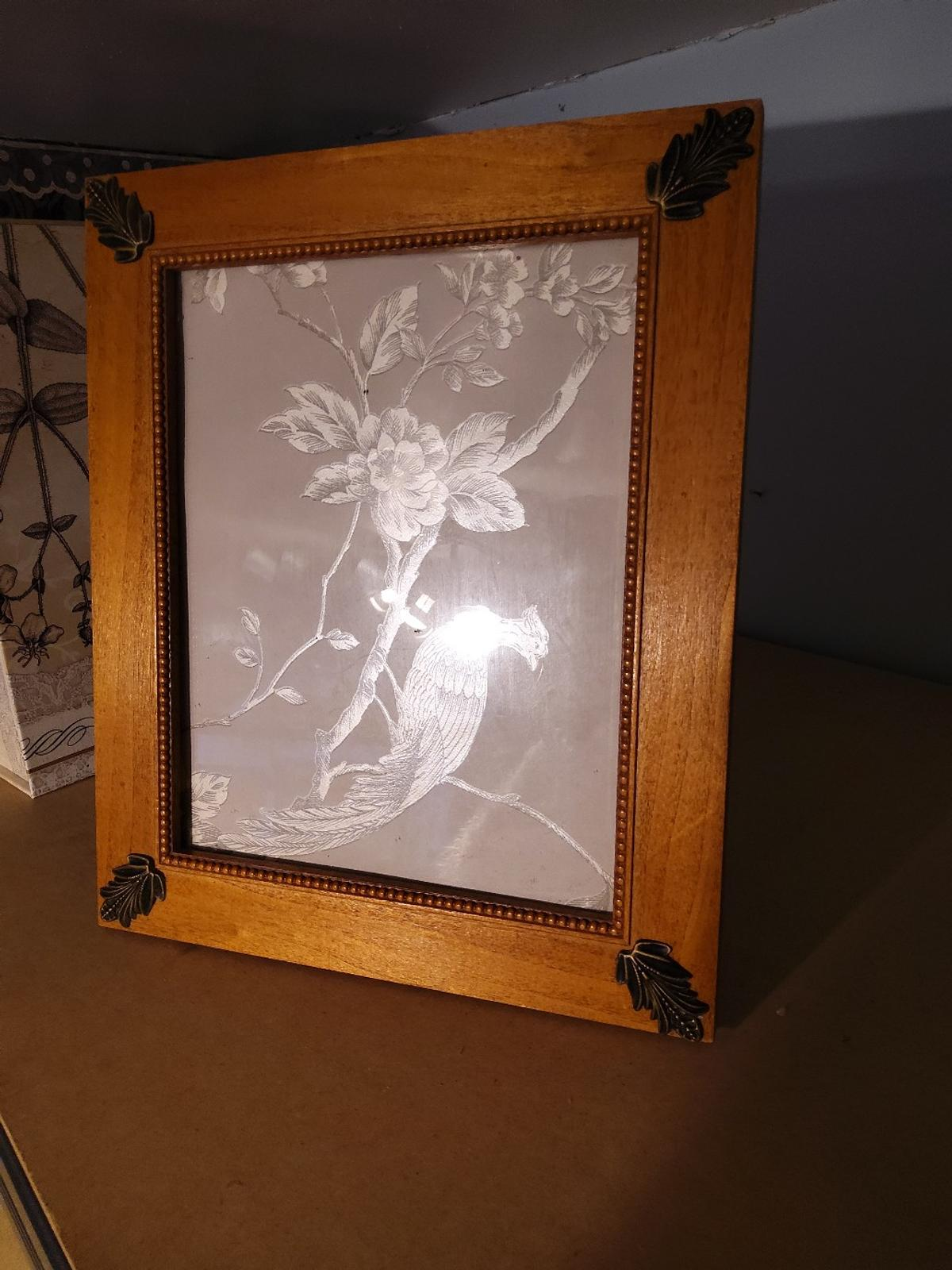 Photograph Frame in good condition. collection from sidcup Da15.