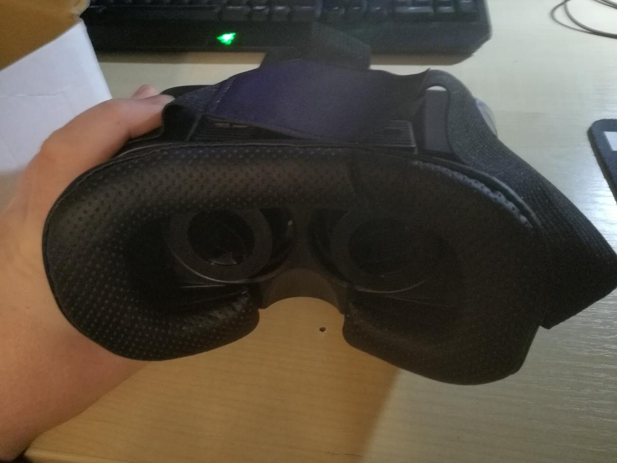 VR Box Virtual reality glasses/ headset for use with smart phone. Excellent condition, never used, in original box with instructions.