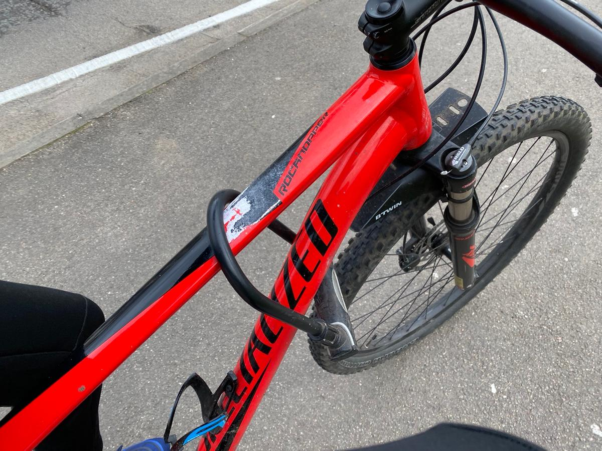 Lock can come with it if needed hidrolic breaks suspension lock , XL frame