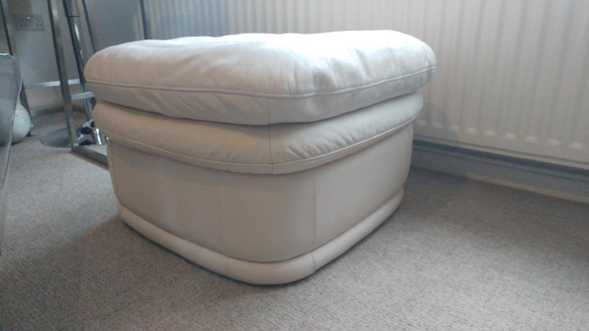 cream leather footstall pouffe with free local delivery or you can collect good condition very comfortable call 07907 945717