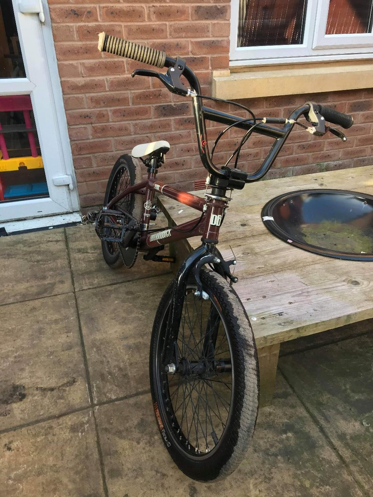 For sale or swopzs . diamondback bmx bike All working 20 inch wheels Good tyers . couple of marks on the forks the frame like new open to offers or swopzs pick up only