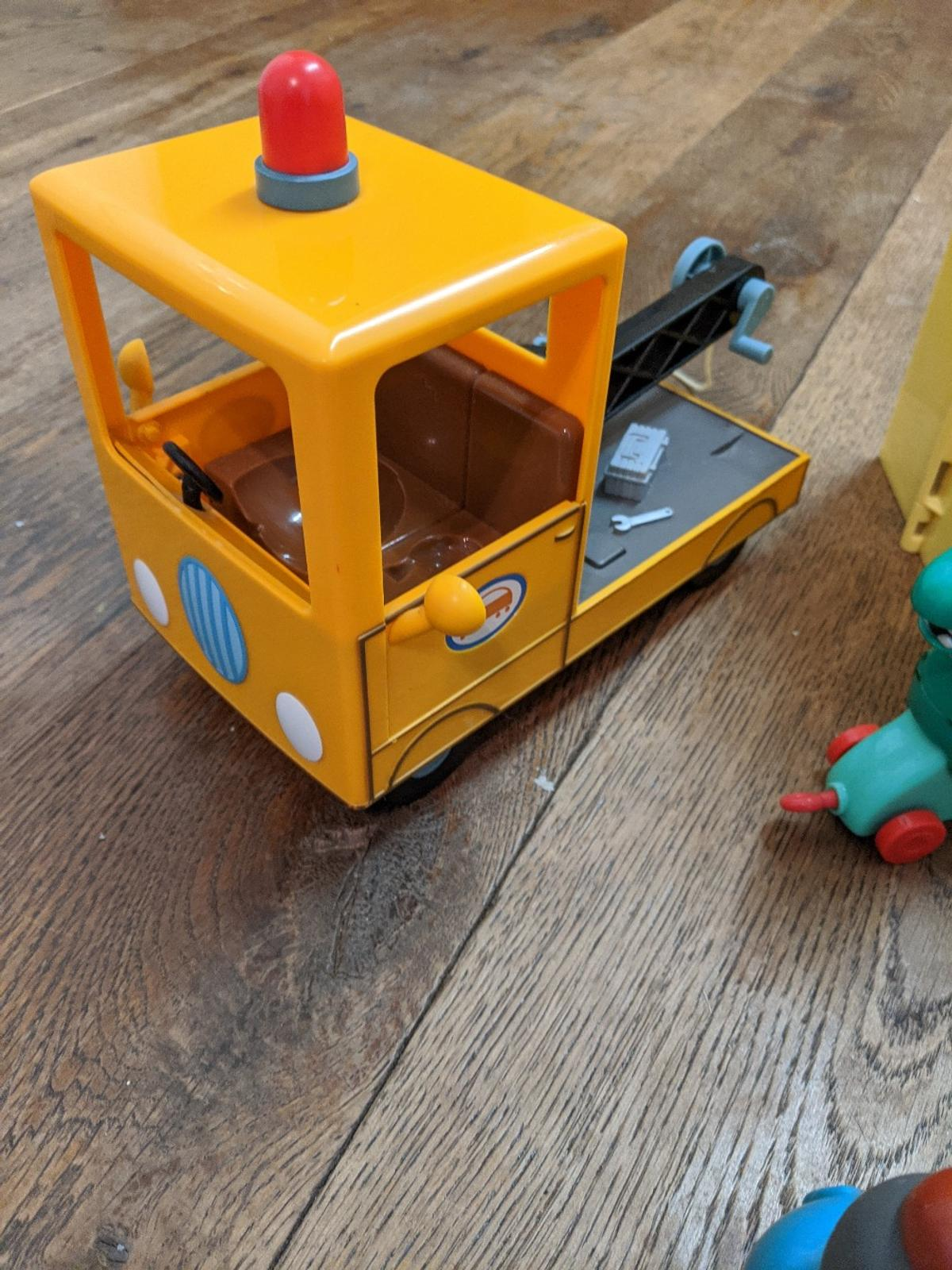 as seen in pictures, huge Peppa pig bundle including ambulance