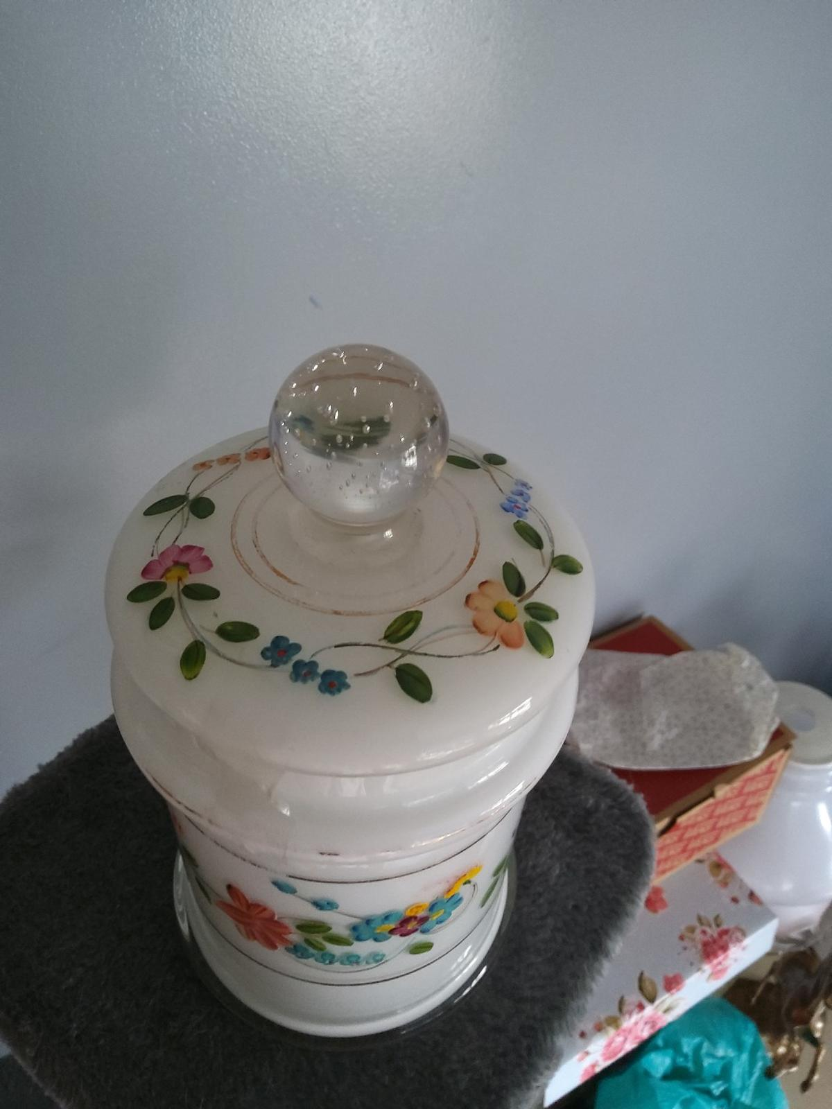 Vintage Glass Pot with hand painted details in lovely condition. collection from sidcup Da15.