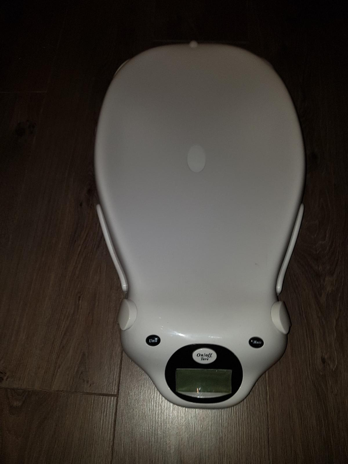 Specifically designed for weighing babies.  Can be used for other large items  Collection only bargain price  Fully working