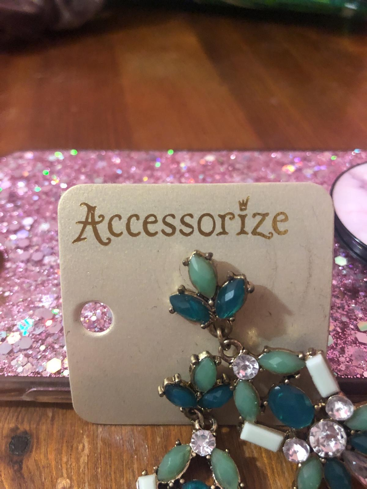From Accessorize Brand new Message me for postage or Collection in Inkberrow!
