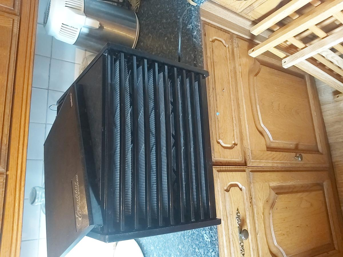 9 shelves Excalibur dehydrator  Barely used and only been used for Vegan cooking.