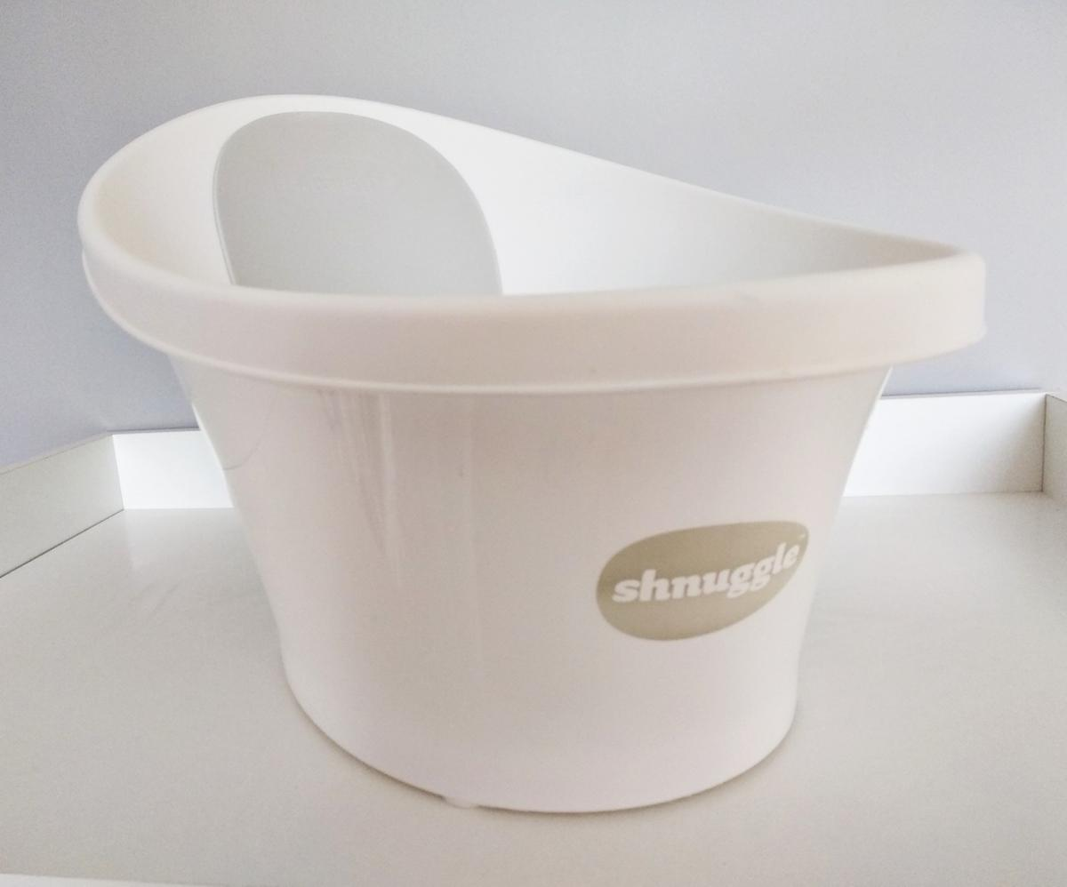 Baby bath - white .This tub is light weight and has a compact design that makes it convenient to store when not in use. Easy to clean, Used but in good condition. Collection from M22 1BU.