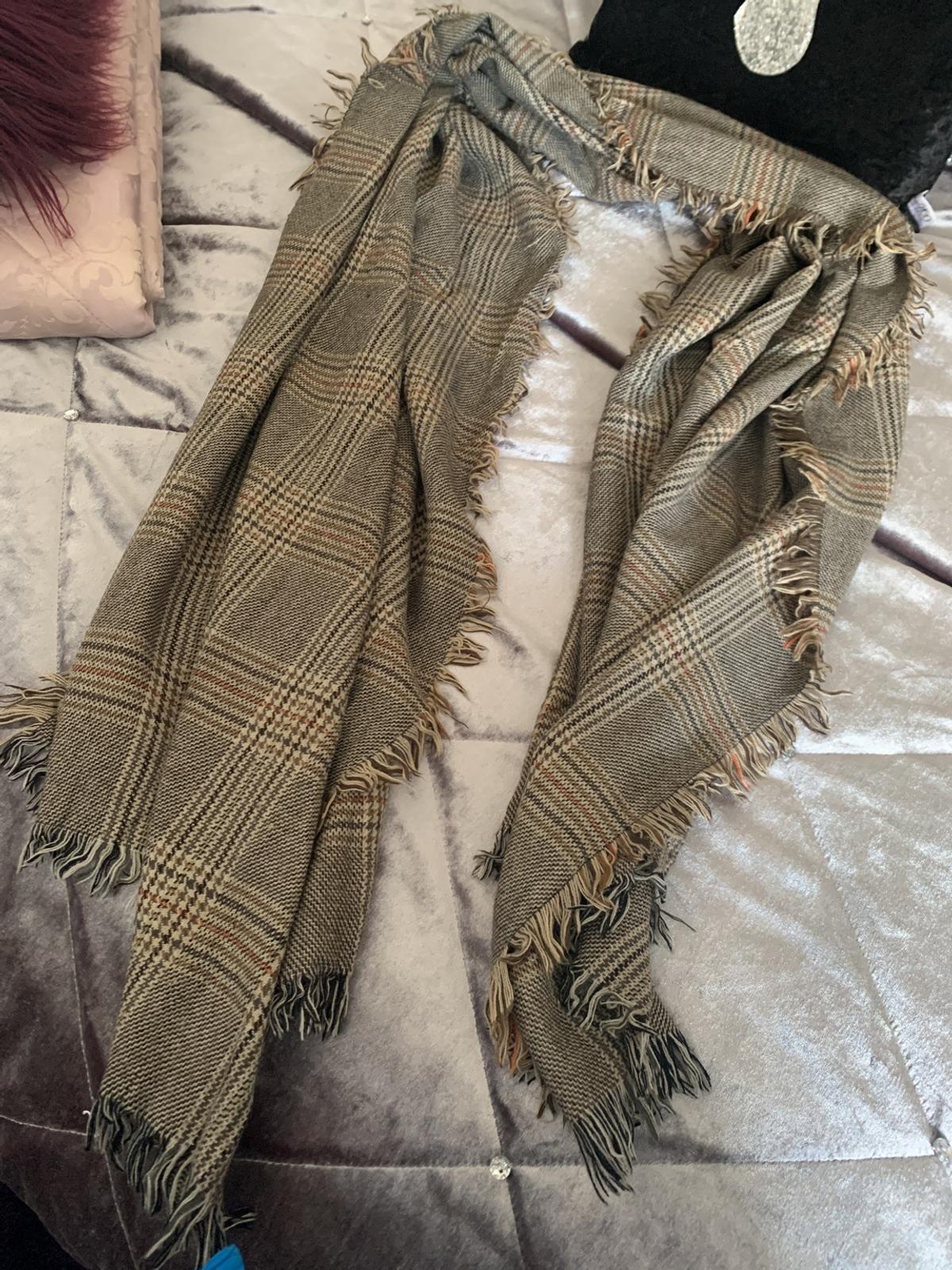 Brown & cream check tweed style scarf excellent condition collection only wv1