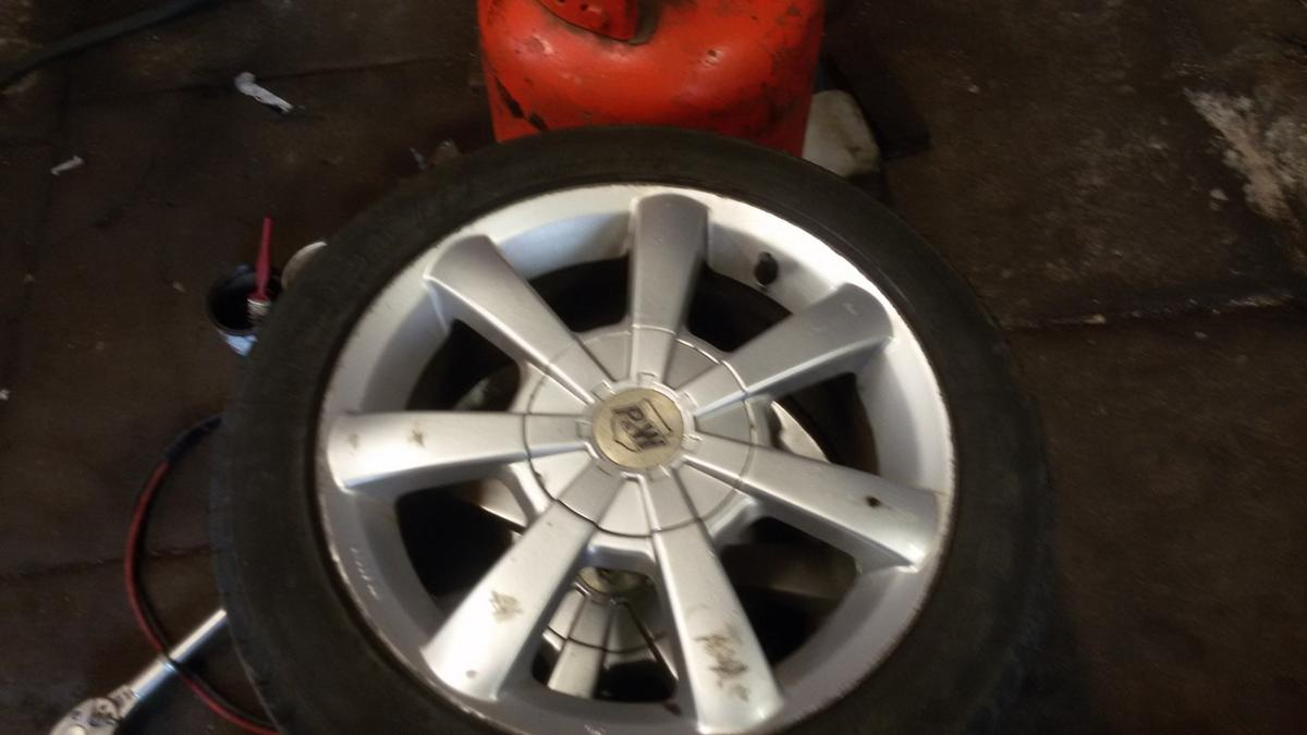 4x alloy wheels size 195/50R15.used condition with loads of tred left on them.for enquiries or viewing contact on 07858069024 or visit unit 3a birchenlee mill, off lenches road colne bb8 8et.