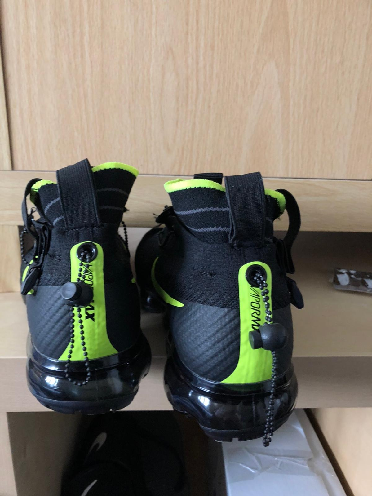 Worn twice not purchased in UK postage available