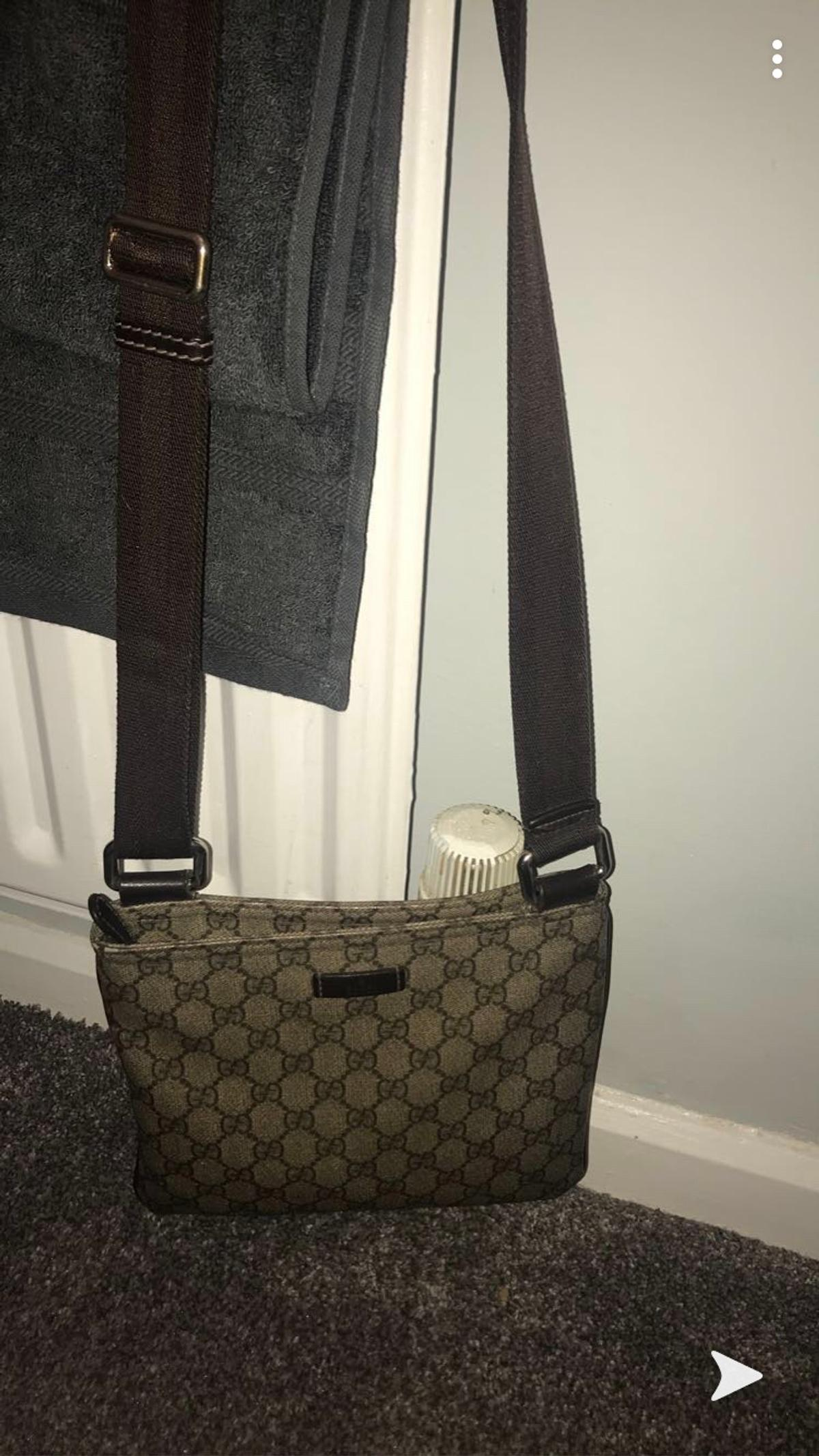 Gucci bag had for years few marks selling due to not being used.
