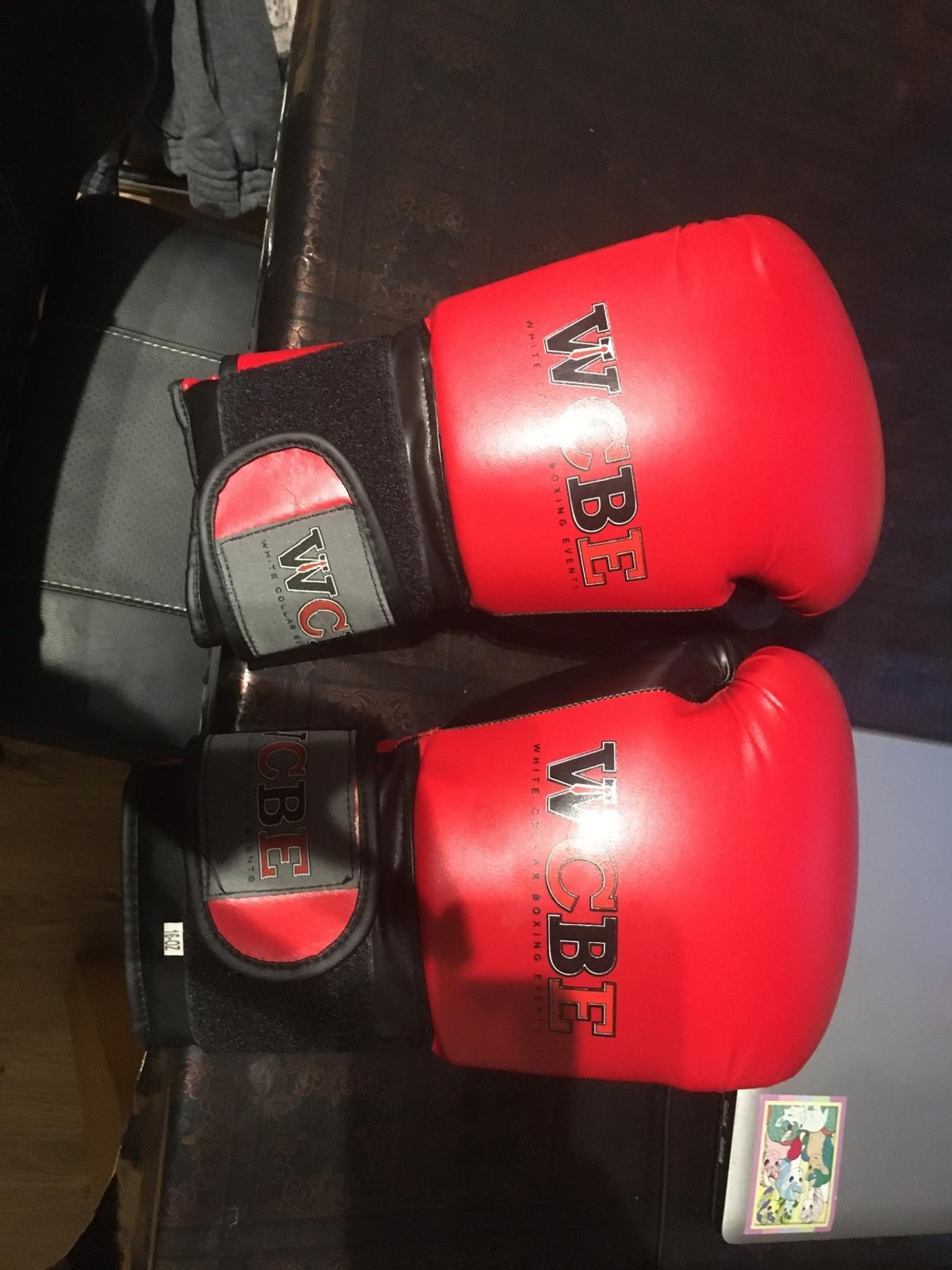 Looking to sell my punchbag with gloves collection only. £70 ono