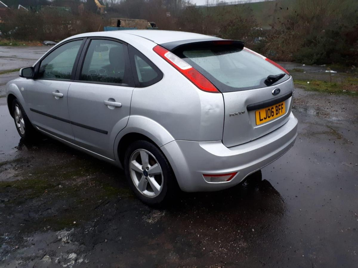 quick sale on behalf of a lady driven No service history but serviced Jan 2020 & Mot. Few dents and scratches 1.6 petrol Automatic 07480824666 reasonable offers and no cheeky ones stating half the selling price considering that your a time waster log book & Mot present.