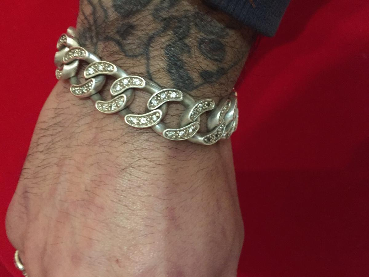 Nice looking bracelet has one stone missing hardly noticeable 9inch in length