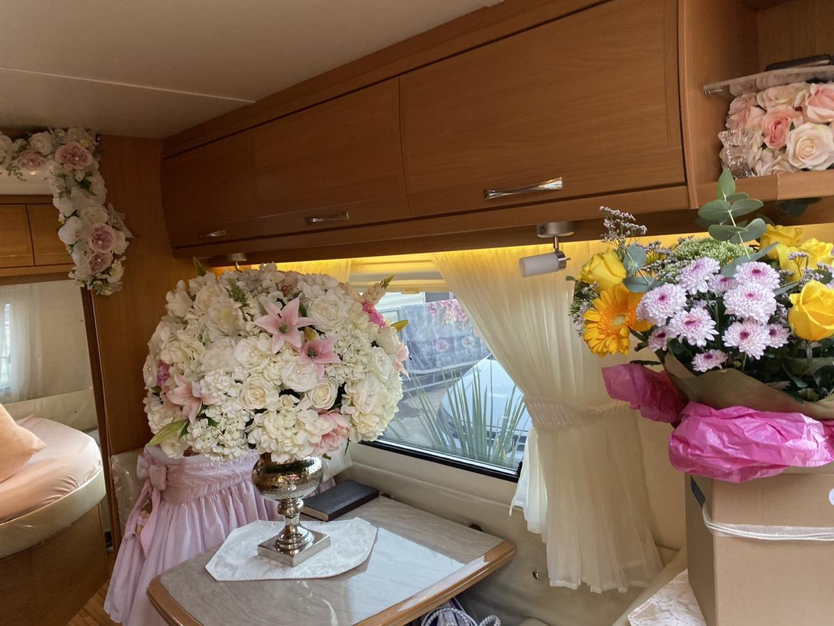 Caravans like brand new only used as bed room full log book and keys call me for more information
