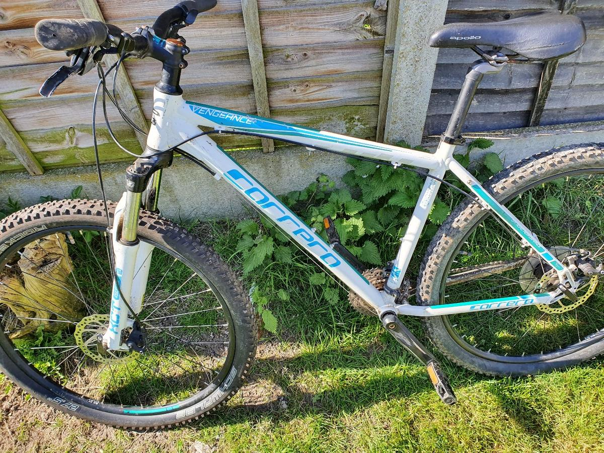 carrera vengeance in good working order 27.5 wheels decent tyres ready to ride away