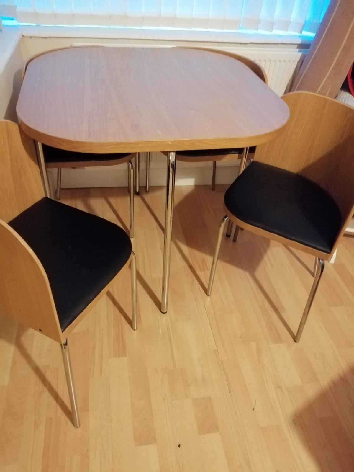 Table with chairs. Pick up only