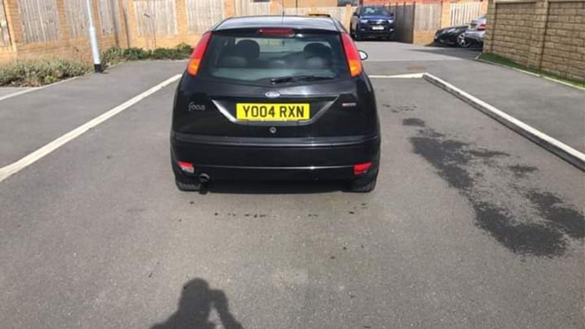 2004 04 FORD FocusRS 5door hatchback good runner condition e windows clocking pas CD player alloys clean in side and out side full mot in jet black full back leather seats68.000miles in box me tel 07470597727