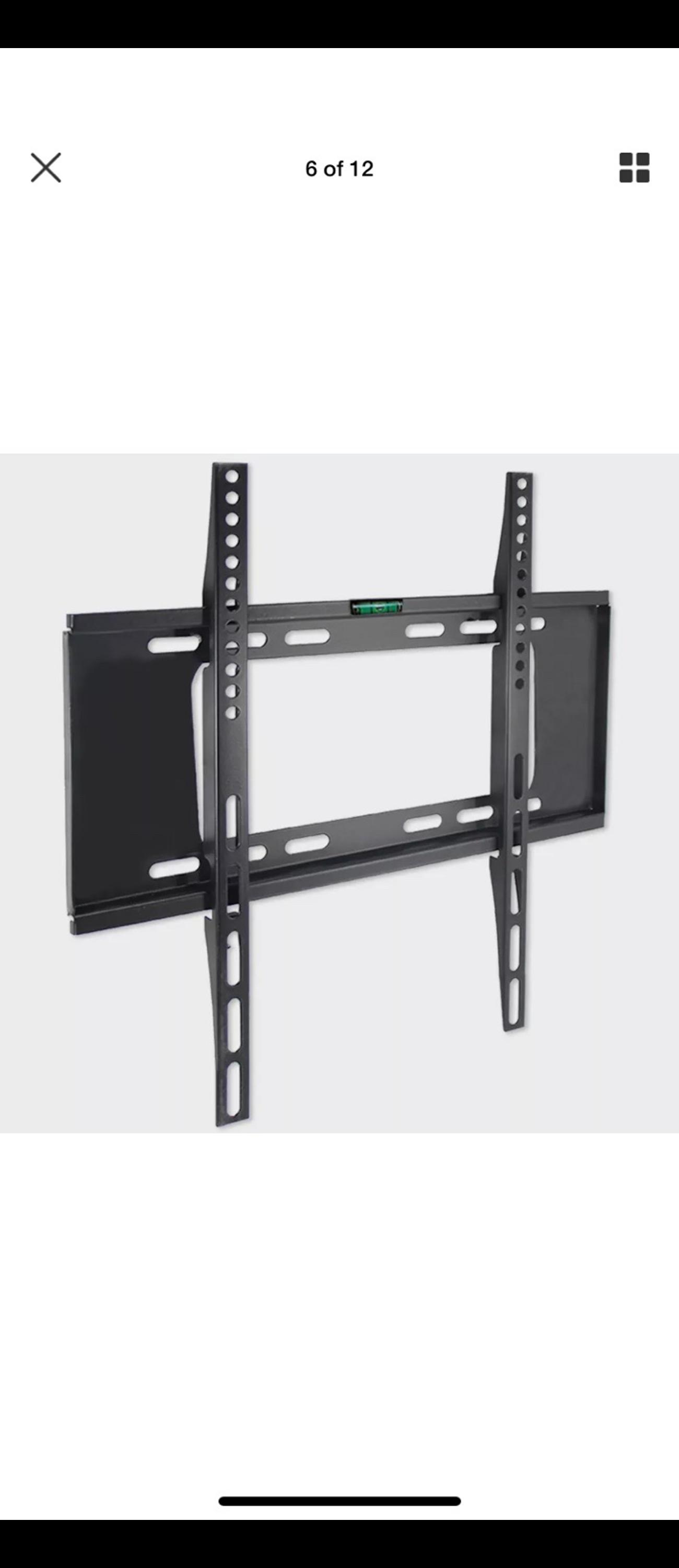 Sony 40 inch tv Everything working Comes with wall mount Comes with remote No problems at all EVERYTHING WORKS  (SMALL CRACK TOP RIGHT, not visible and DOSENT effect tv)  07851016910 further inquiries.