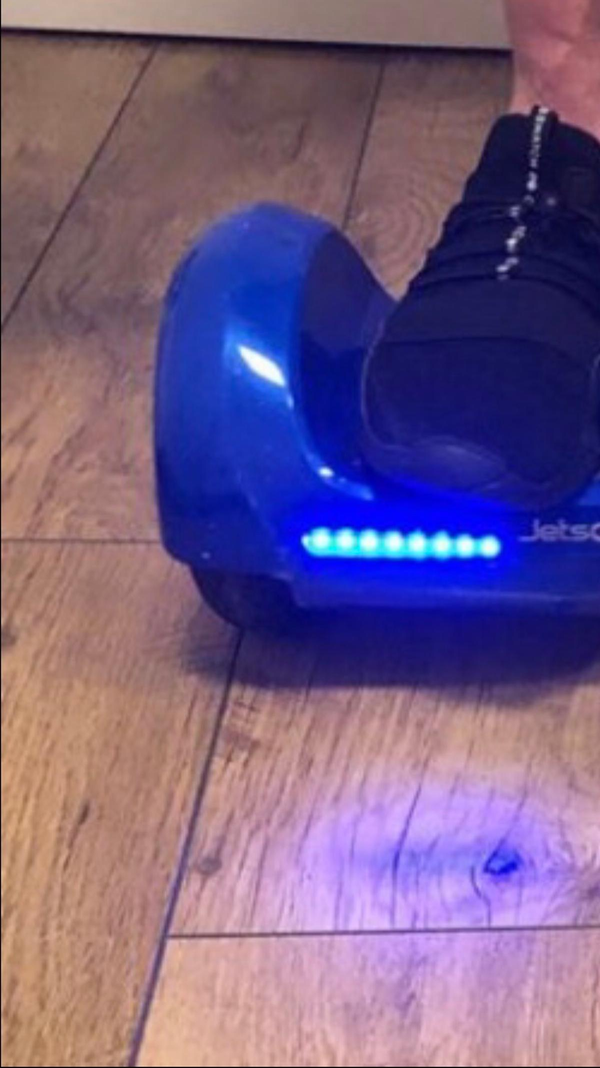 V6 Active Balance Hoverboard, used on a handful of occasions but no longer used. Excellent condition, used a handful of times, two scuffs on front as shown, full working order with instructions & box.