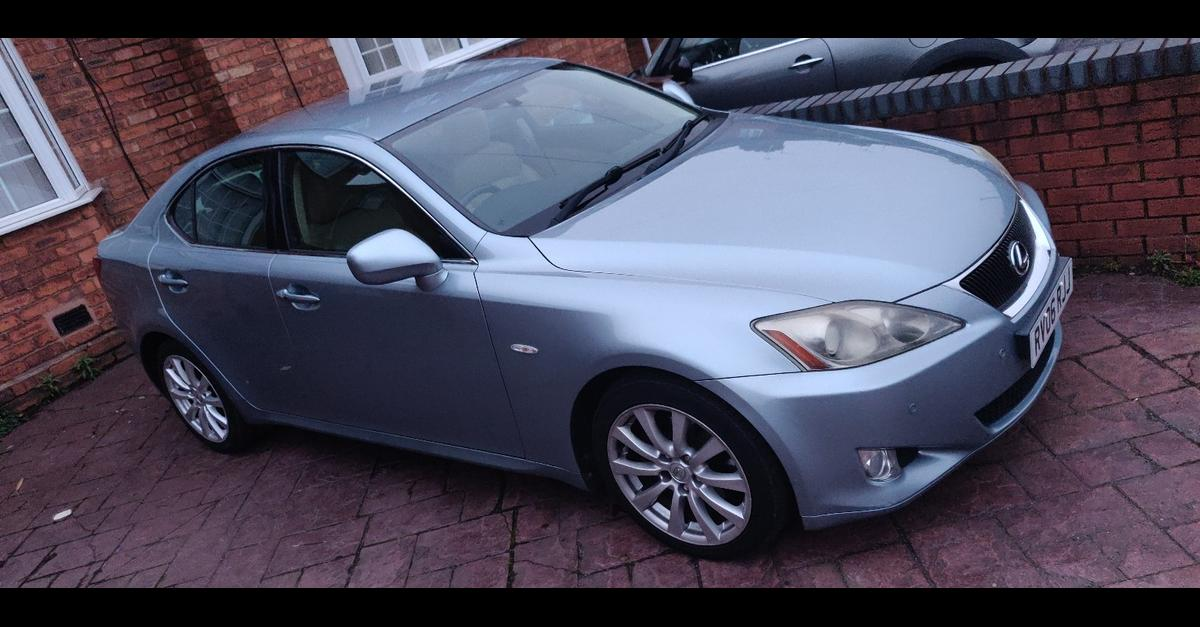 Beautiful, Well Maintained Lexus IS 250 Automatic in perfect condition, 10+ Lexus service stamp, Pet and smoke free, next MOT due 04.12.2020, HPI Clear, Blue, 2 Previous owners. £2200.