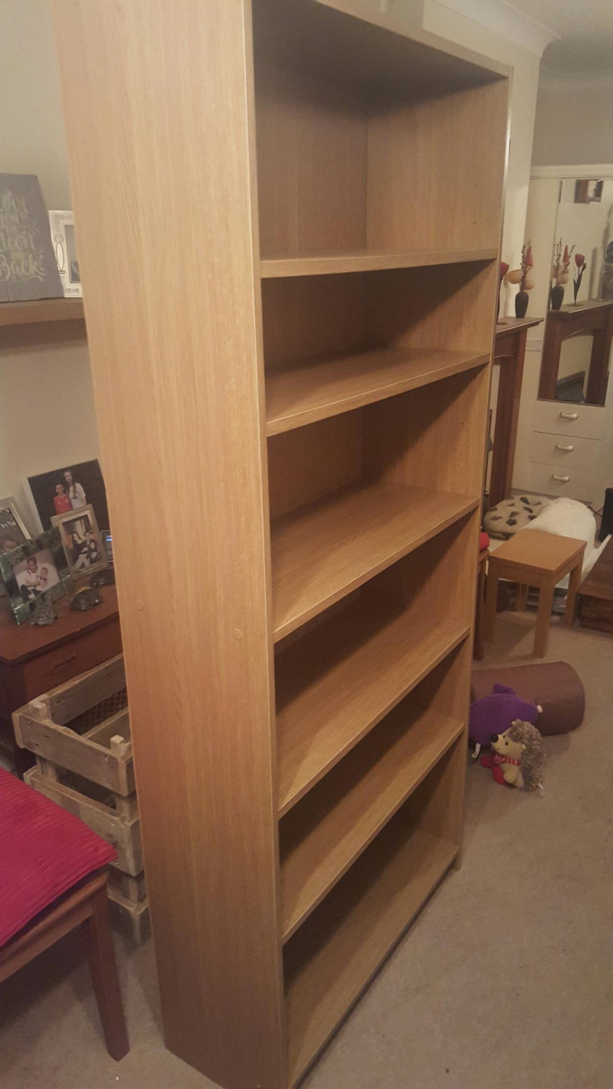 Argos bookcase. Excellent condition. Shelves are movable. 180x78x29.5cm. Collection only.