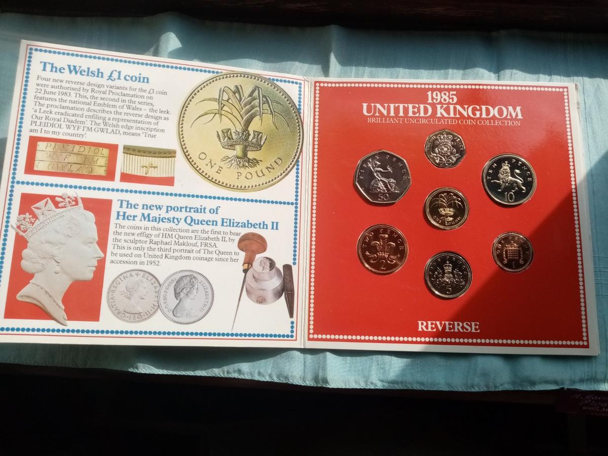 A beautiful unc royal mint 1985 coin collection in sealed packaging in brilliant uncirculated condition and never been out the packaging. Postage will be added at £2 and its first class signed for.