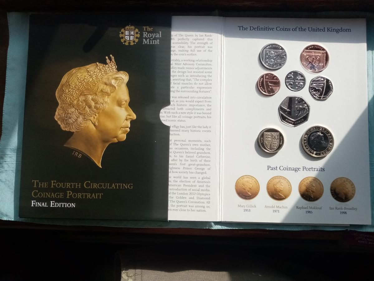 A beautiful unc royal mint fourth circulating coinage portrait 2015 coin collection in sealed packaging in brilliant uncirculated condition and never been out the packaging. Postage will be added at £2 and its first class signed for.