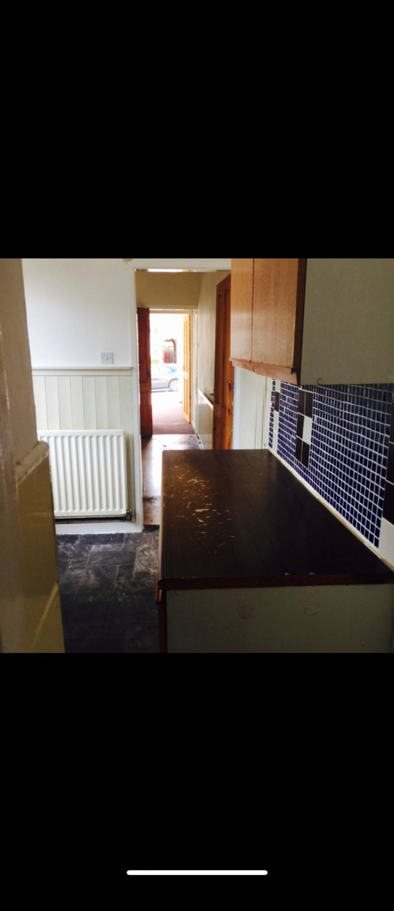 House rent in smethwick 2 bedrooms 2 living rooms Bathroom/kitchen Near hight street bus stops train and tram station Free in April £550 pcm 1 month rent and deposit to be paid No dss private only