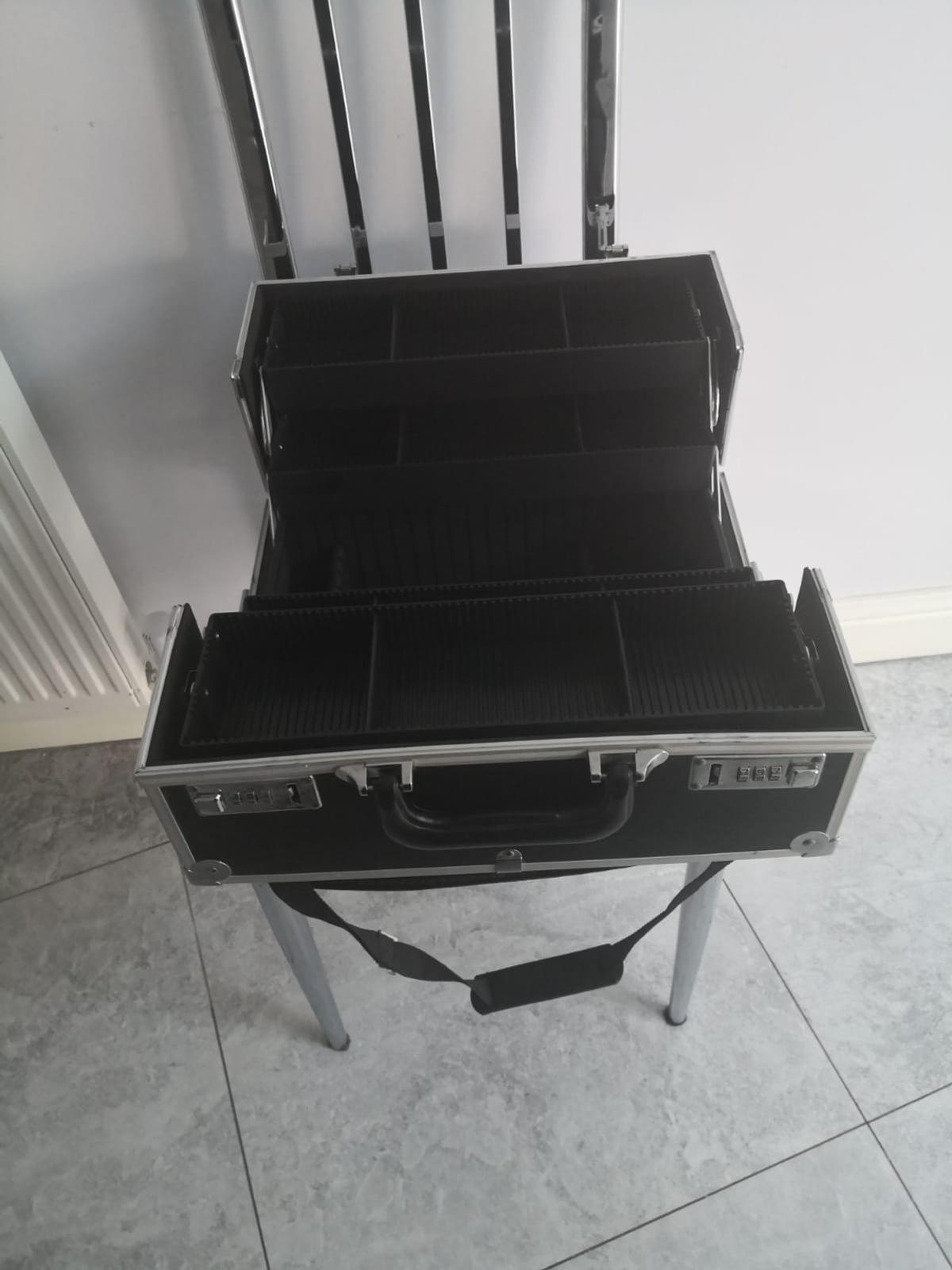 Cosmetic case in good condition with locking code