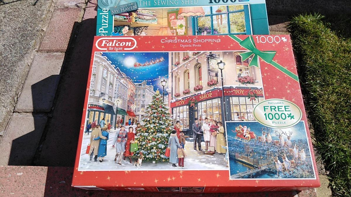 "Playing children brand new The sewing shed The Christmas shopping contains 2 puzzles gcd £2 each are 3 for £5 """" 🛍️"