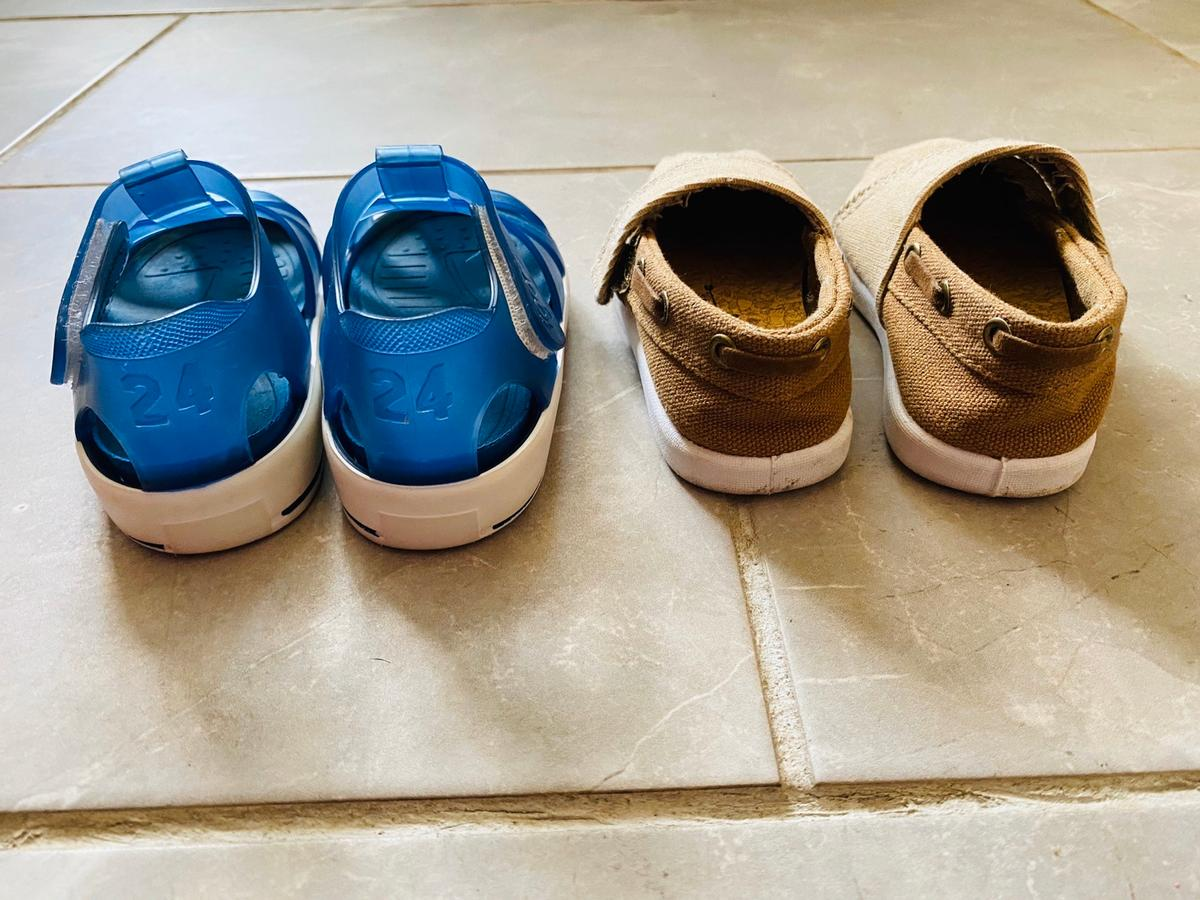 💙💙Baby Igors & Pumps Size 24💙💙. Blue igors size 24 7 good con sorry from mark see pic Beige pumps Velcro fastening size 6 but both same size. Check out my other items. Combined postage Can post out if paid through PayPal for £4